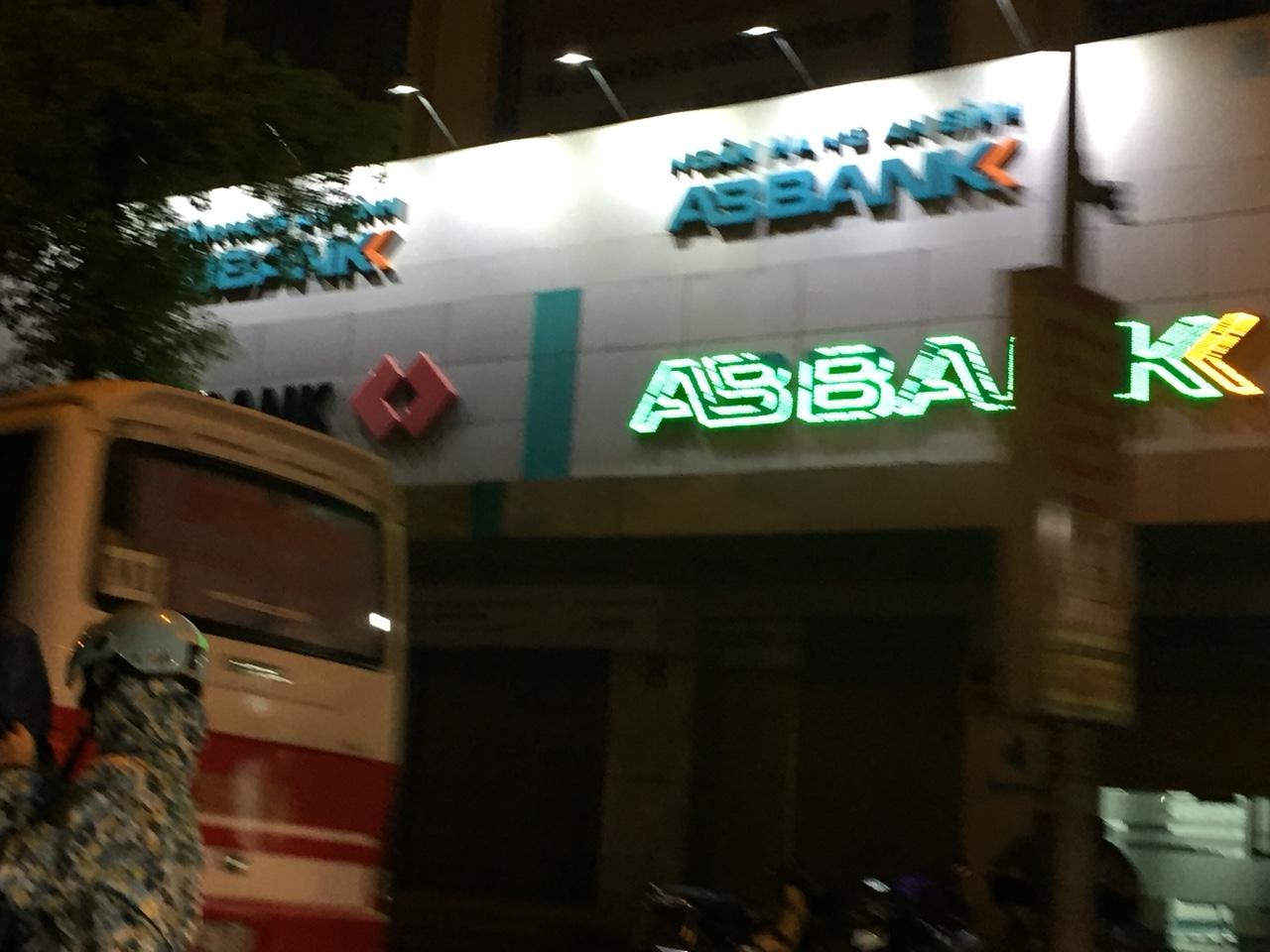 Làm biển quảng cáo tại huyện Gia Lâm Hà Nội 2