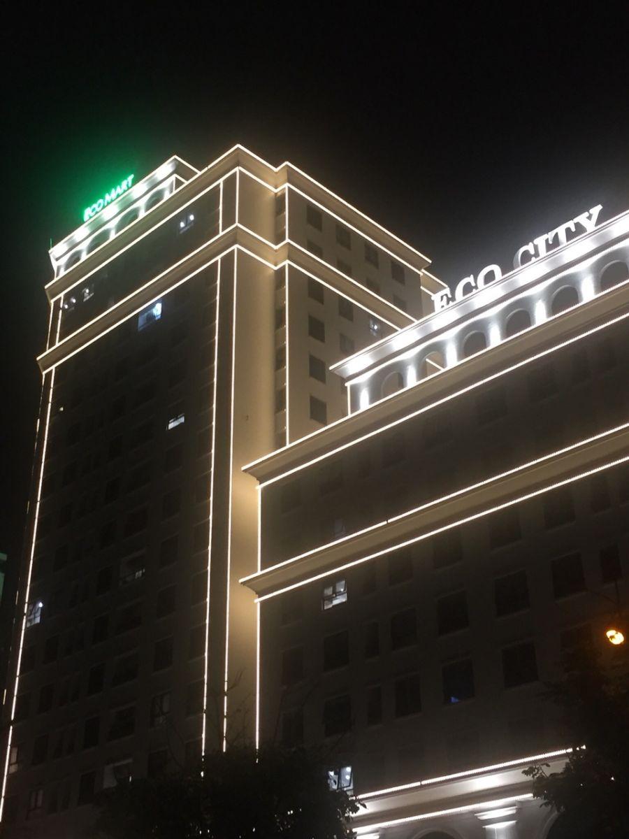 Sản xuất thi công bộ chữ trên nóc tòa nhà