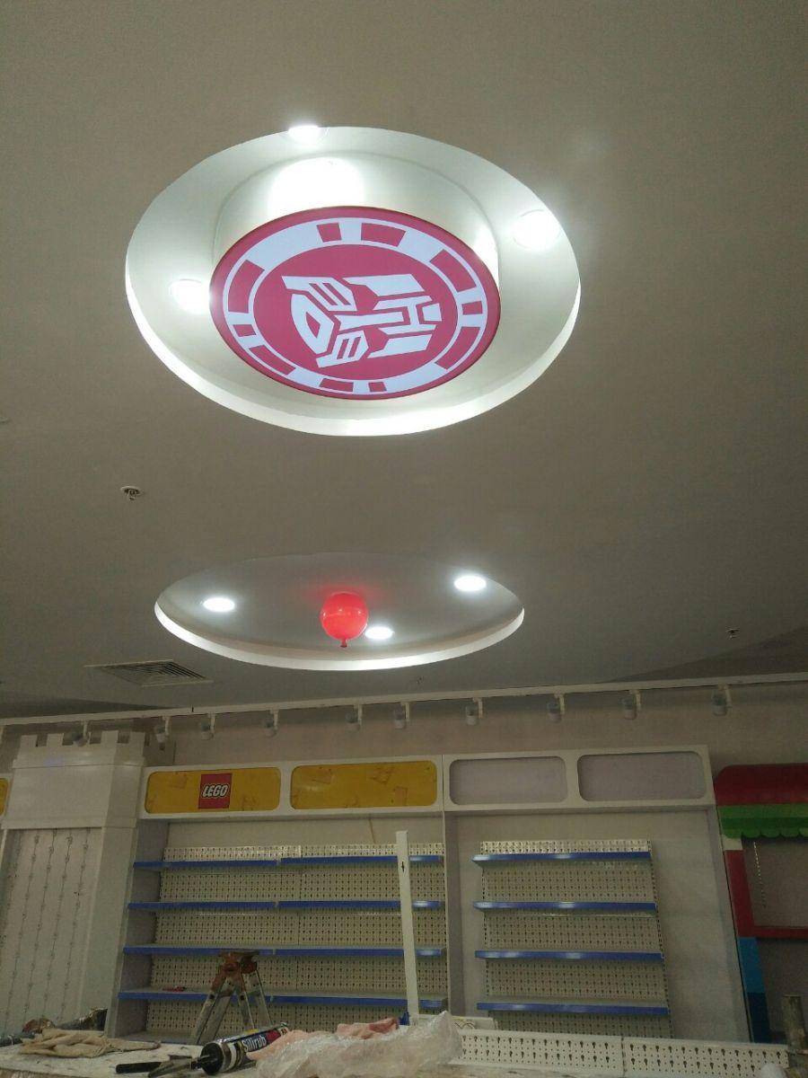 Việc thi công biển hiệu - trang trí đèn led và nội thất tại Hà Nội trong tuần
