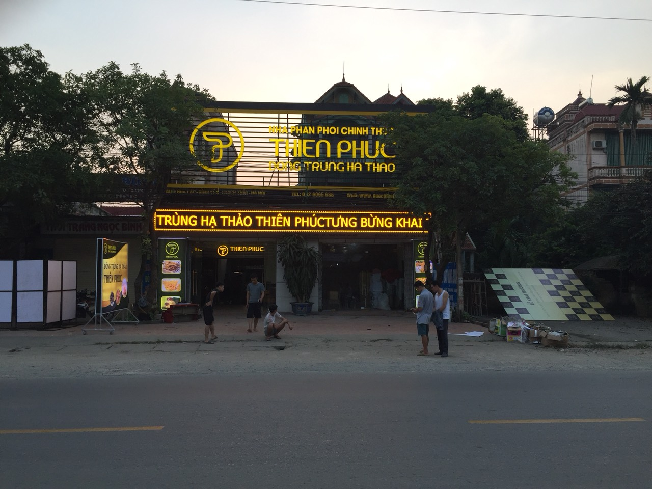 Thi công các loại Biển Hiệu Quảng Cáo Giá Rẻ Chuyên Nghiệp Tại Hà Nội