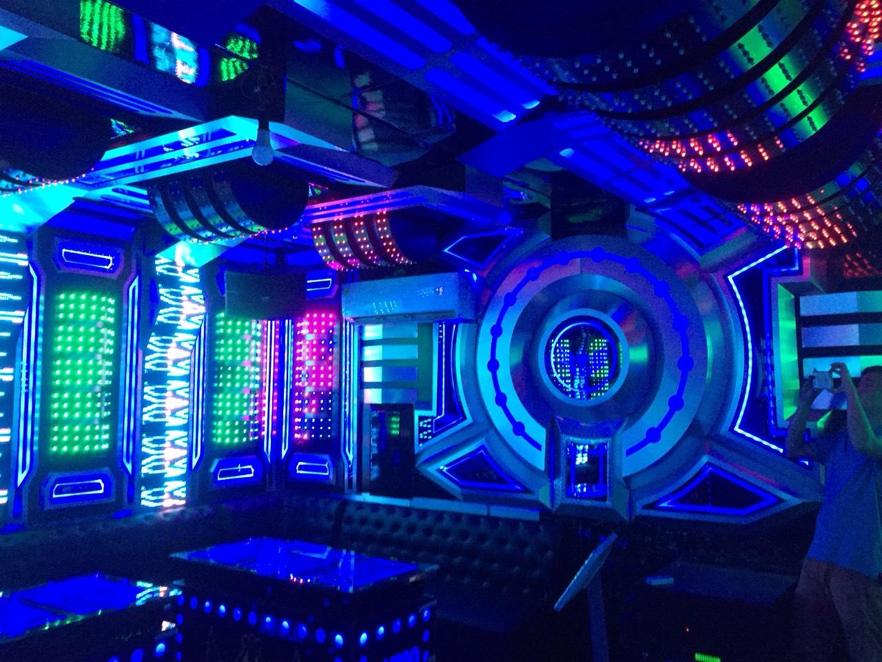 thiết kế thi công,Test phòng và sử lý âm thanh cho phòng karaoke
